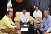 Foto com 2757 VDM reunion Secretario de Salud (1)