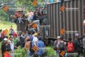 Migrantes-tren-Quadratín-Chiapas-450x300
