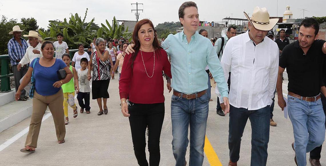 Entrega Velasco Coello obras de infraestructura en Acala - Quadratín Guanajuato