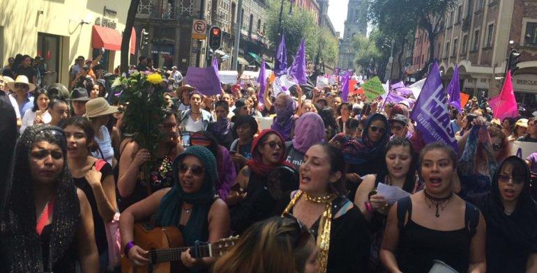 Resultado de imagen para marcha mujeres chiapas