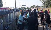 Africanos reanudan protestas en estación migratoria Siglo 21