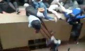 Mueren 5 estudiantes al caer de cuarto piso en Bolivia