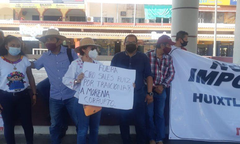 Marchan militantes y simpatizantes de Morena por imposición de candidato