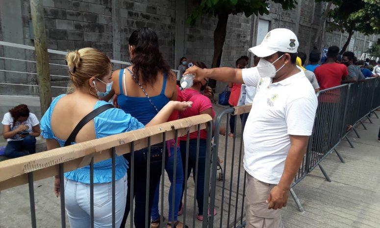 Intensifican medidas preventivas por Covid entre migrantes en Tapachula